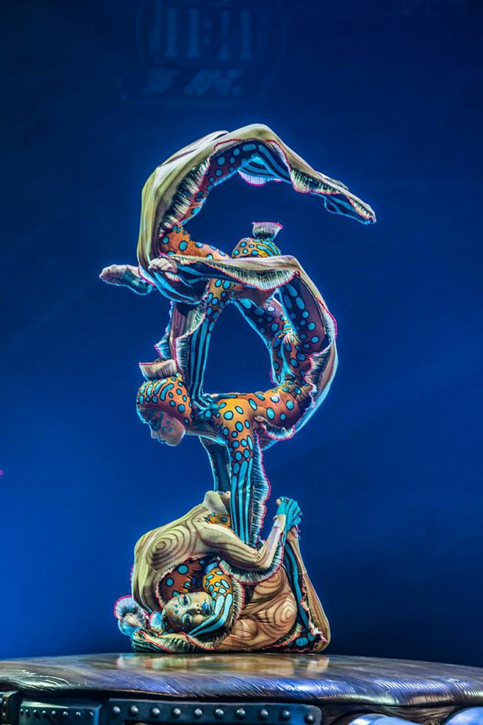 Cirque Du Soleil 's Cabinet of Kurious blows the top off BIG in San Francisco!
